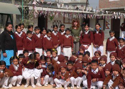 dans la cour de Mandala School